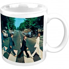 BEATLES BOXED MUG: ABBEY ROAD CROSSING